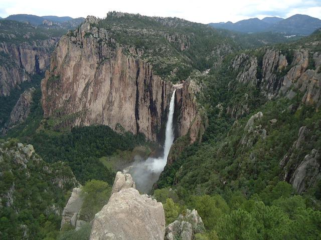 cascada de basaseachi chihuahua mexiko